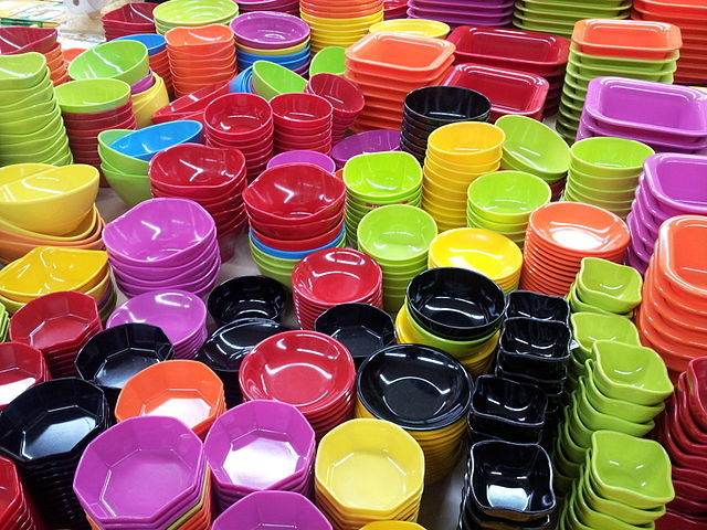 Plastic plates are shown here. Cheap people pick these over better quality low cost items.