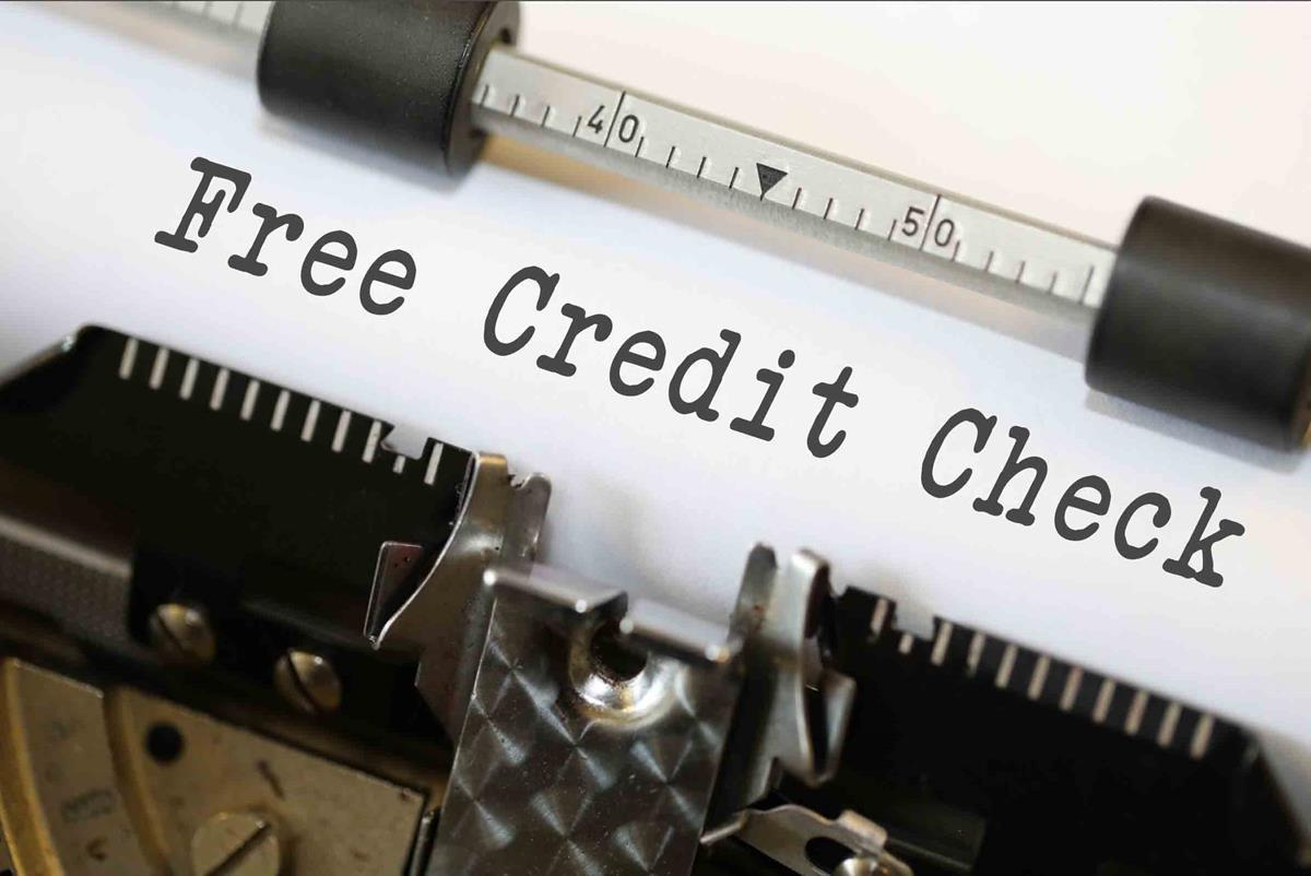 "This is a sign which reads ""Free Credit Check"" which is what this article is about too."