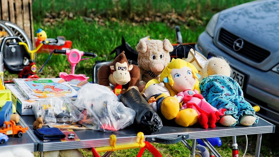 Selling off your clutter can be done as a yard sale (like here) or online.